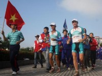 "Welcome ""Pole to Pole Run Vietnam"" to Hội An"