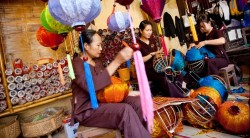 Establish the traditional craft and folk art center of Hoi An