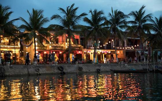hoi an waterfront vietnam WTG20191218