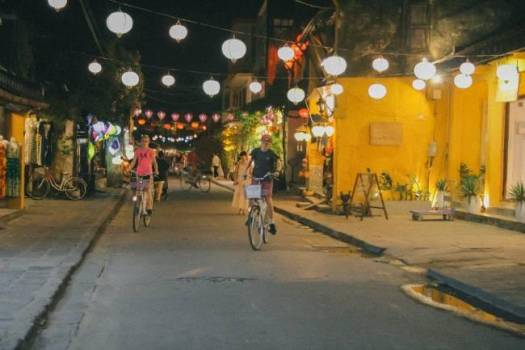 Hoi An is on the list of destinations with an ideal cycling path