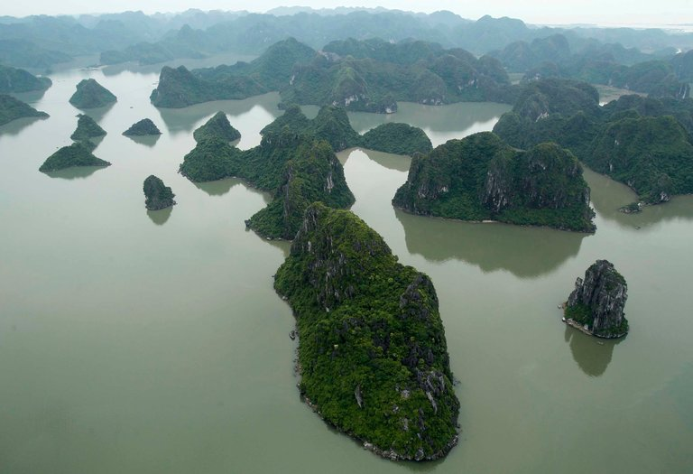 5 Places Obama Should See in Vietnam