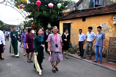 Thai Princess visit Hoi An Ancient Town