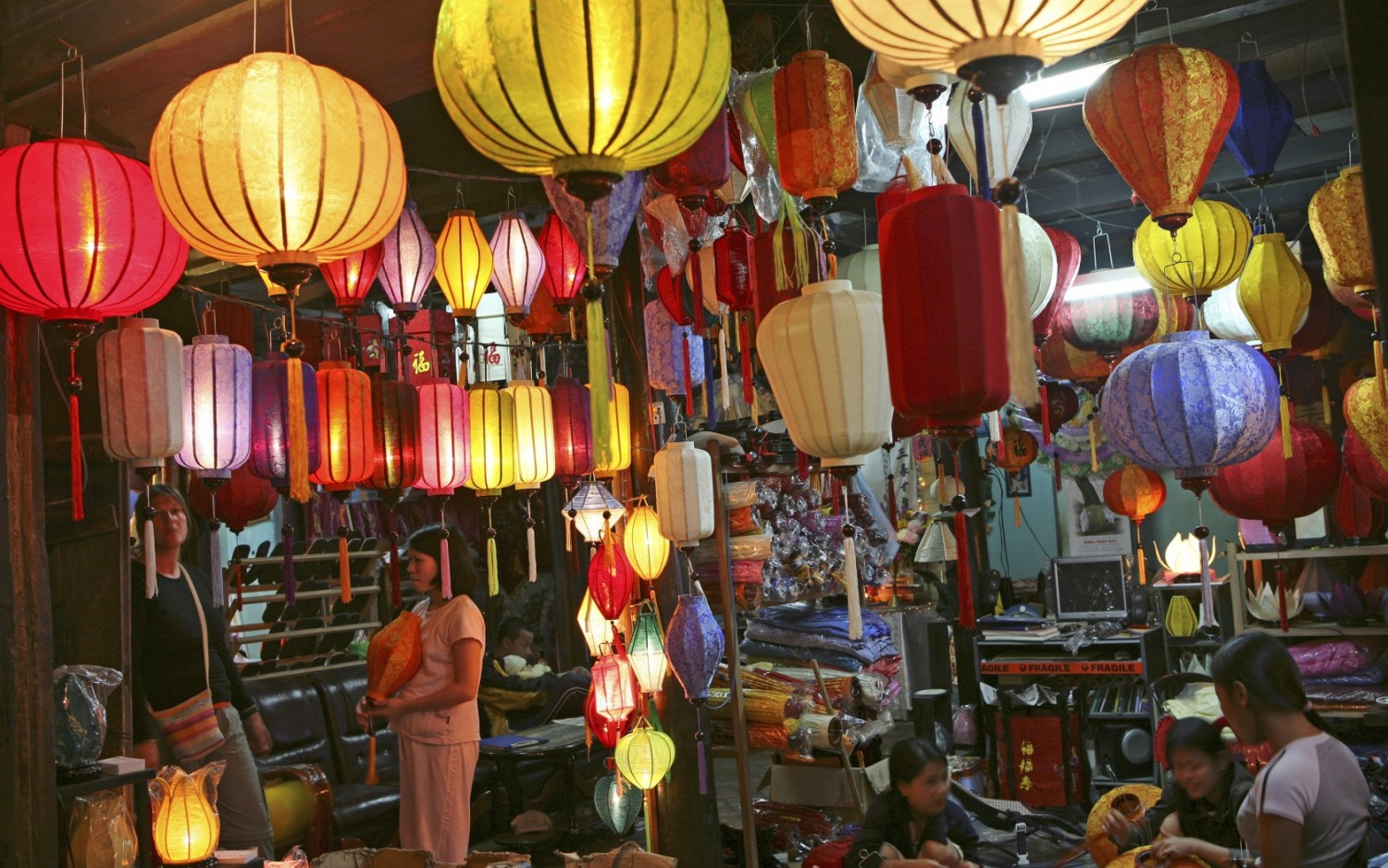 Hoi An's full-moon festival, one of the 25 world's most amazing experiences