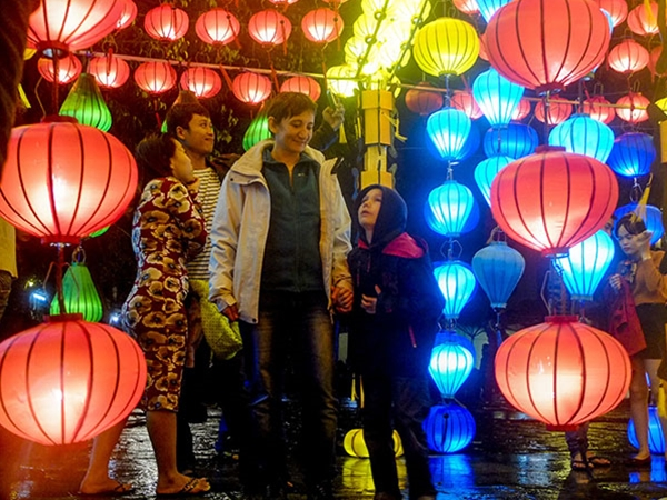 A brilliant Hội An in the new year'eve - Ảnh minh hoạ 5