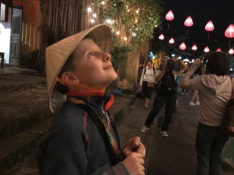 Thả hoa đăng, ngắm đèn lồng rực rỡ trong đêm Nguyên tiêu ở Hội An - Ảnh minh hoạ 5