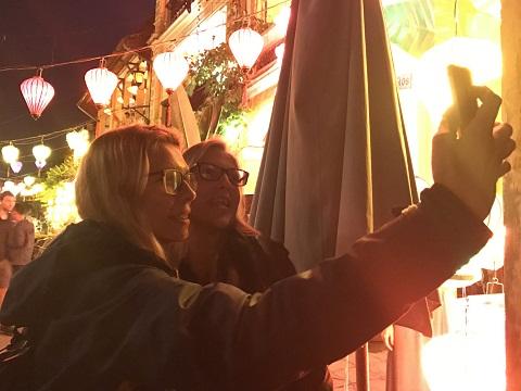 Thả hoa đăng, ngắm đèn lồng rực rỡ trong đêm Nguyên tiêu ở Hội An - Ảnh minh hoạ 8