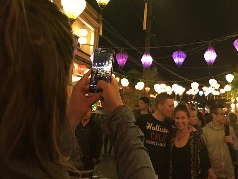 Thả hoa đăng, ngắm đèn lồng rực rỡ trong đêm Nguyên tiêu ở Hội An - Ảnh minh hoạ 7