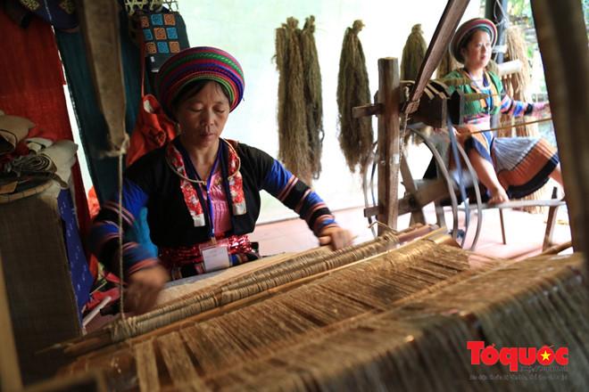 Khai mạc Festival Tơ lụa, Thổ cẩm Việt Nam và thế giới năm 2017 -  2