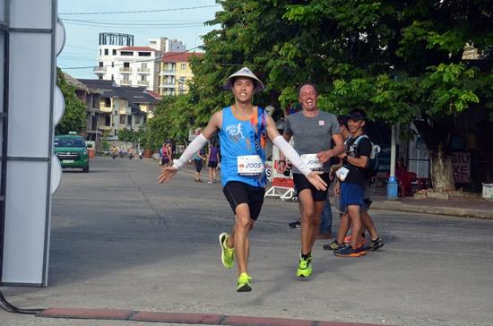 Hơn 1.000 VĐV tham gia cuộc thi marathon quốc tế Hội An 2017 -  5