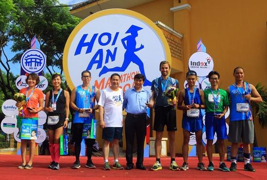 Hơn 1.000 VĐV tham gia cuộc thi marathon quốc tế Hội An 2017 -  9