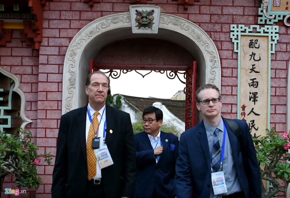 Lãnh đạo Tài chính cấp cao APEC tham quan phố cổ Hội An -  4