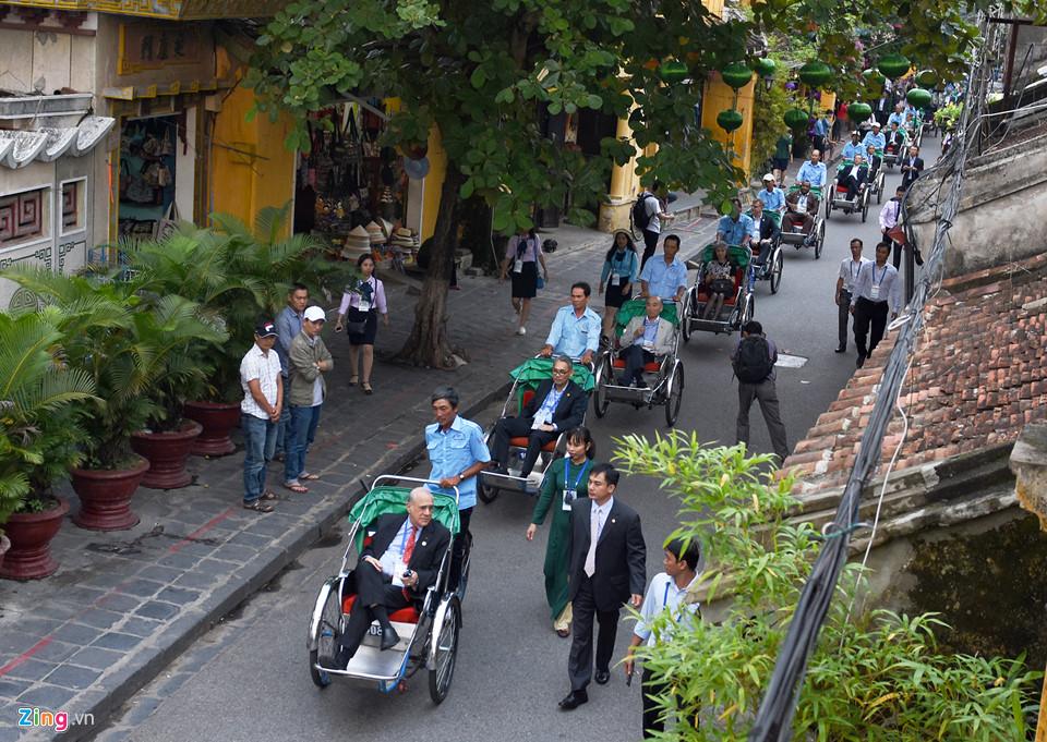 Lãnh đạo Tài chính cấp cao APEC tham quan phố cổ Hội An