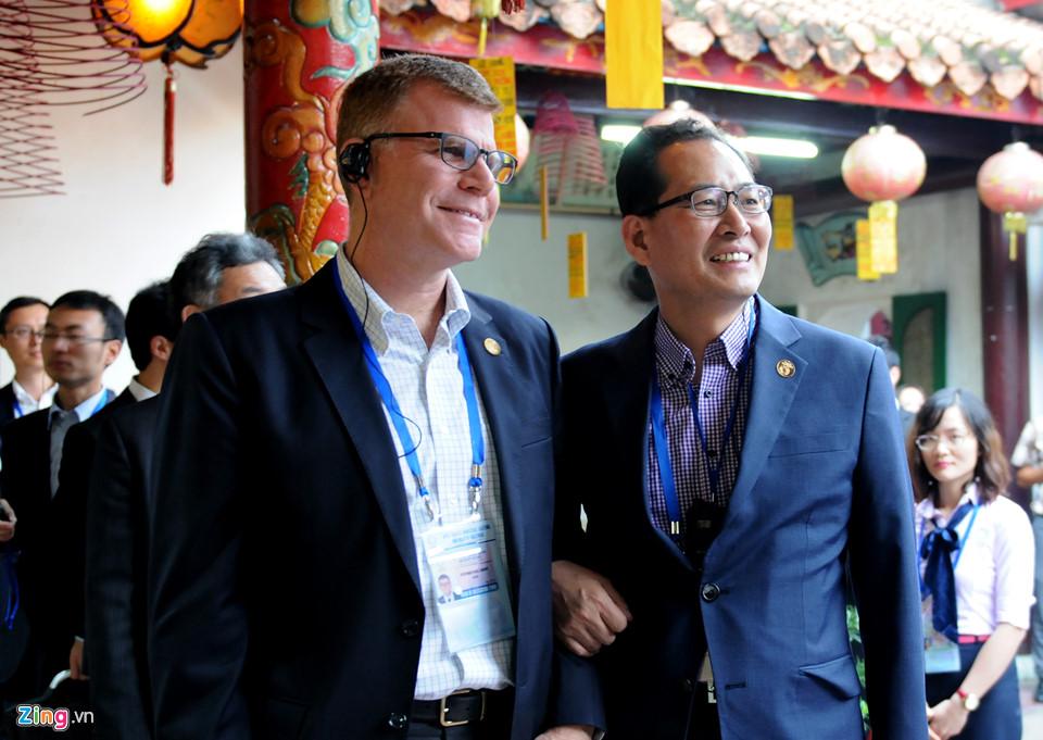 Lãnh đạo Tài chính cấp cao APEC tham quan phố cổ Hội An -  7