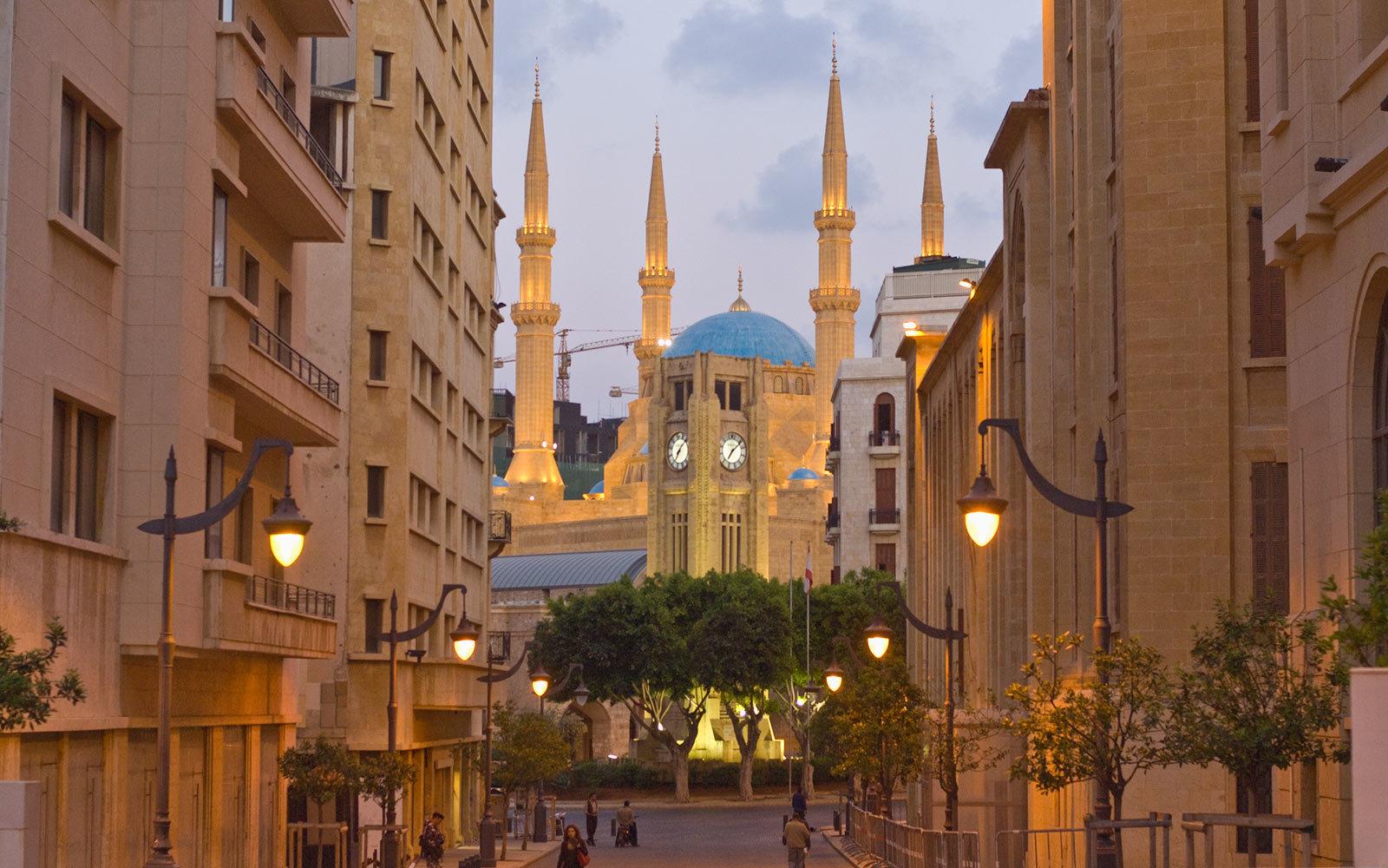 etiole square and mosque al amin beirut lebanon 15 TOPCITIESWB18